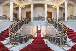 palais escalier